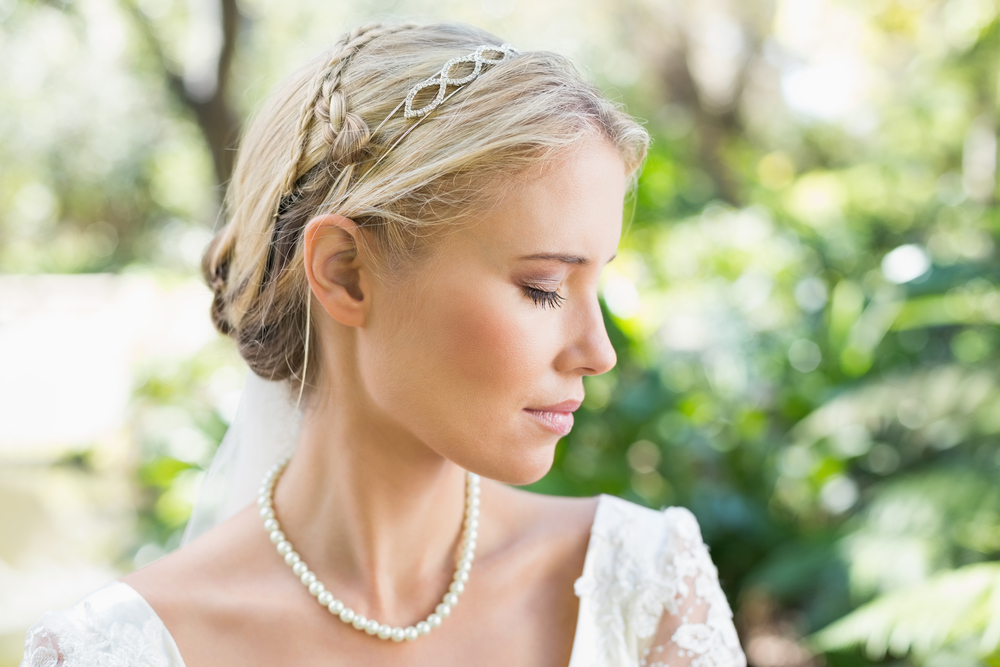 bridal hairstyle and headpieces