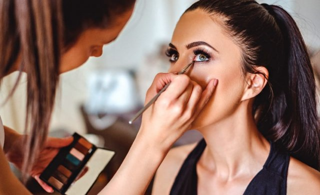 Do you have recurring dreams that you a successful makeup artist, working with high-class clients and in a variety of different industries?